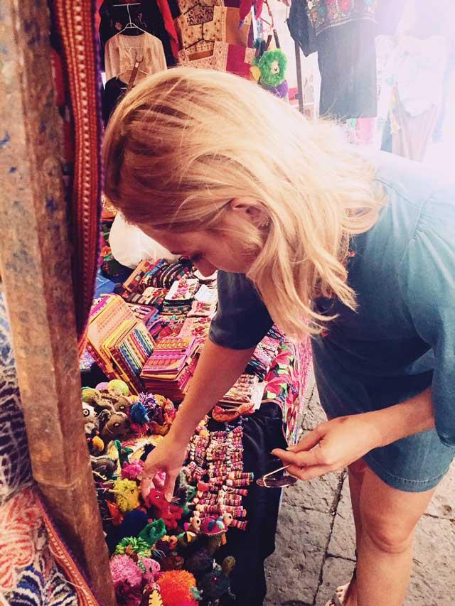 mexico-city-bazaar-shoppig